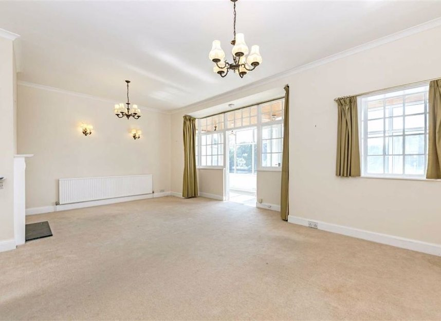 Properties for sale in Thames Side - TW18 2HQ view5
