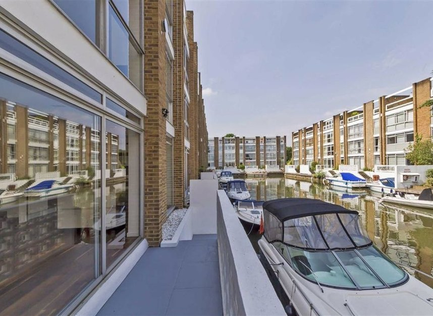 Properties for sale in Thameside - TW11 9PW view8