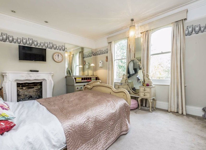 Properties for sale in The Avenue - TW1 1QP view8