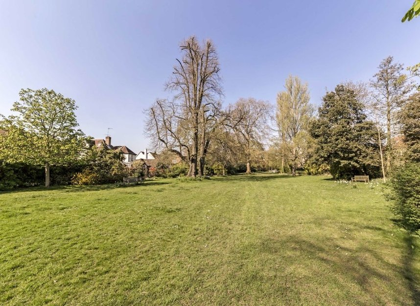 Properties for sale in The Avenue - TW1 1QP view11