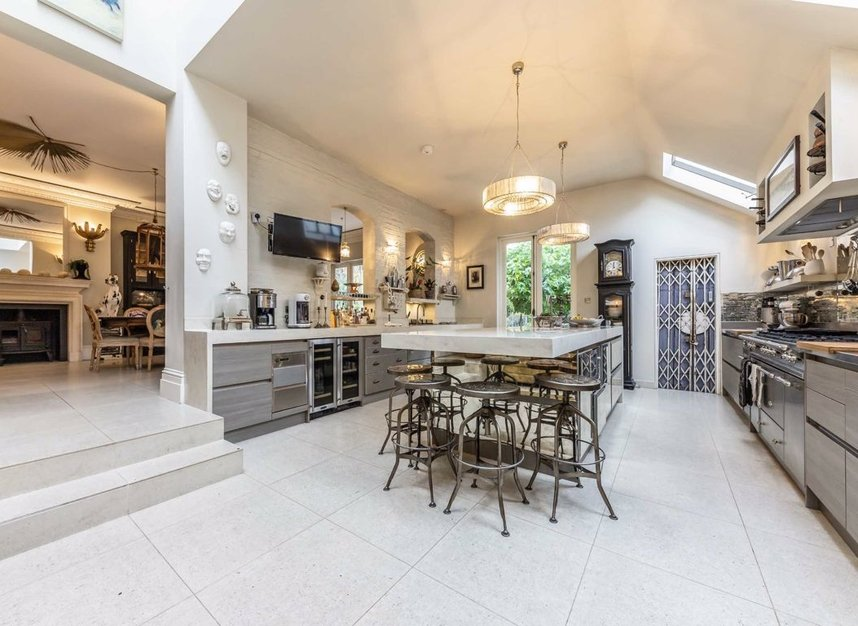 Properties for sale in The Avenue - TW1 1QP view2
