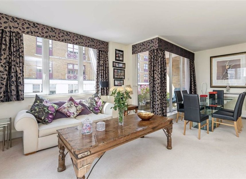 Properties for sale in The Quadrangle - SW10 0UG view3