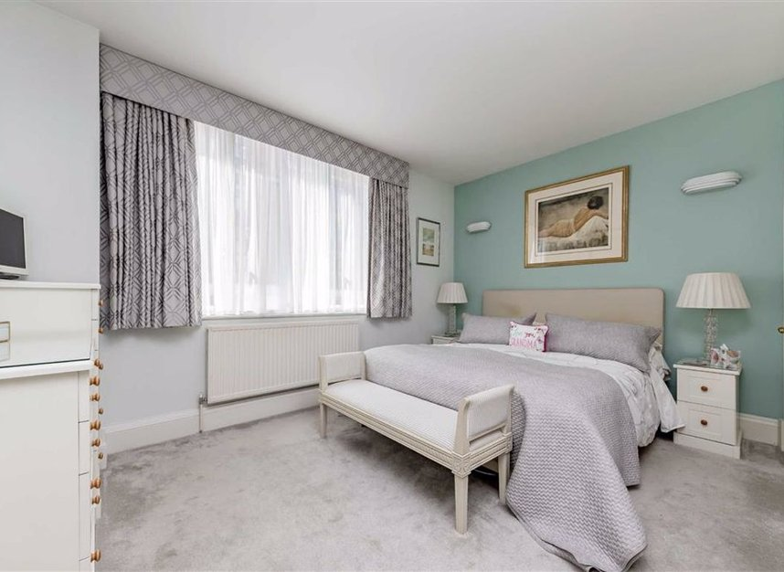 Properties for sale in The Quadrangle - SW10 0UG view6