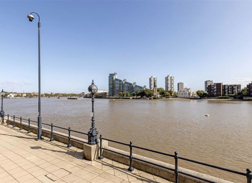Properties for sale in The Quadrangle - SW10 0UG view8