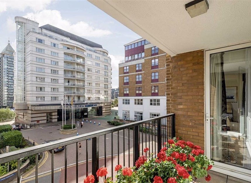 Properties for sale in The Quadrangle - SW10 0UG view9