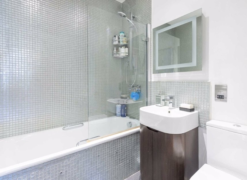 Properties for sale in Townmead Road - SW6 2NZ view5