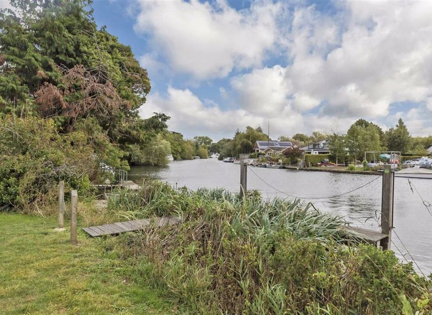 Properties for sale in Towpath - TW17 9LL view1