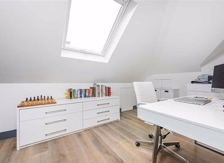 Properties for sale in Trowlock Avenue - TW11 9QT view16