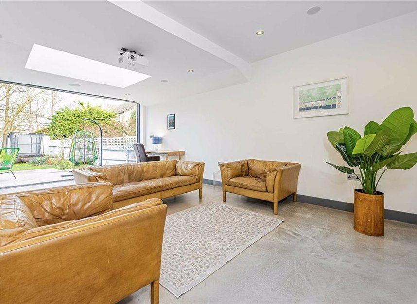 Properties for sale in Trowlock Avenue - TW11 9QT view7