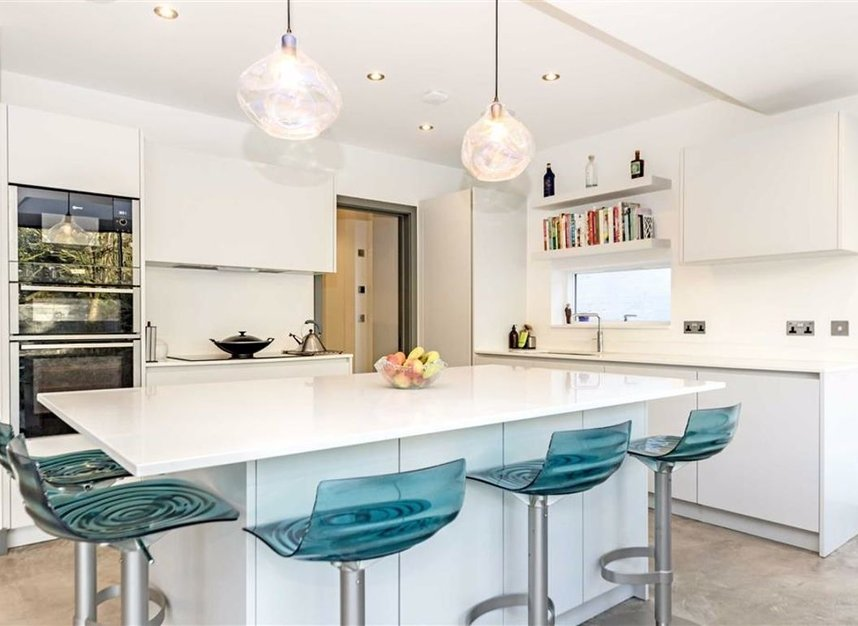 Properties for sale in Trowlock Avenue - TW11 9QT view18