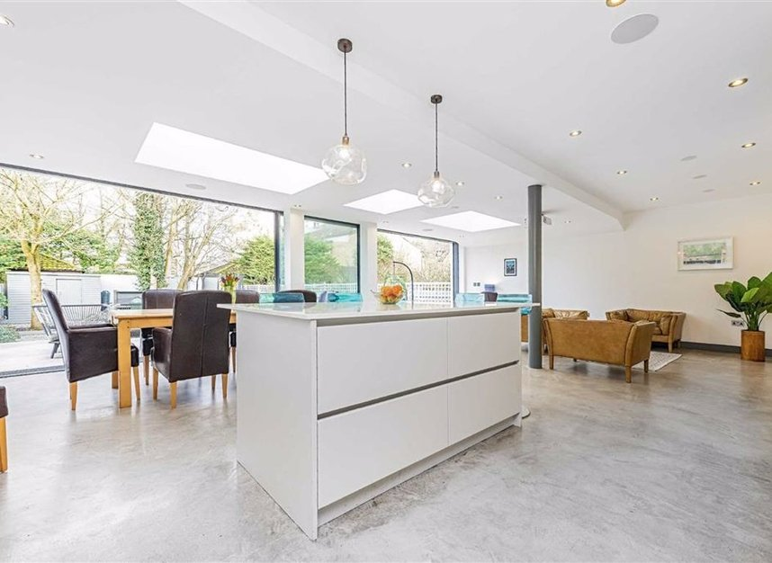 Properties for sale in Trowlock Avenue - TW11 9QT view6