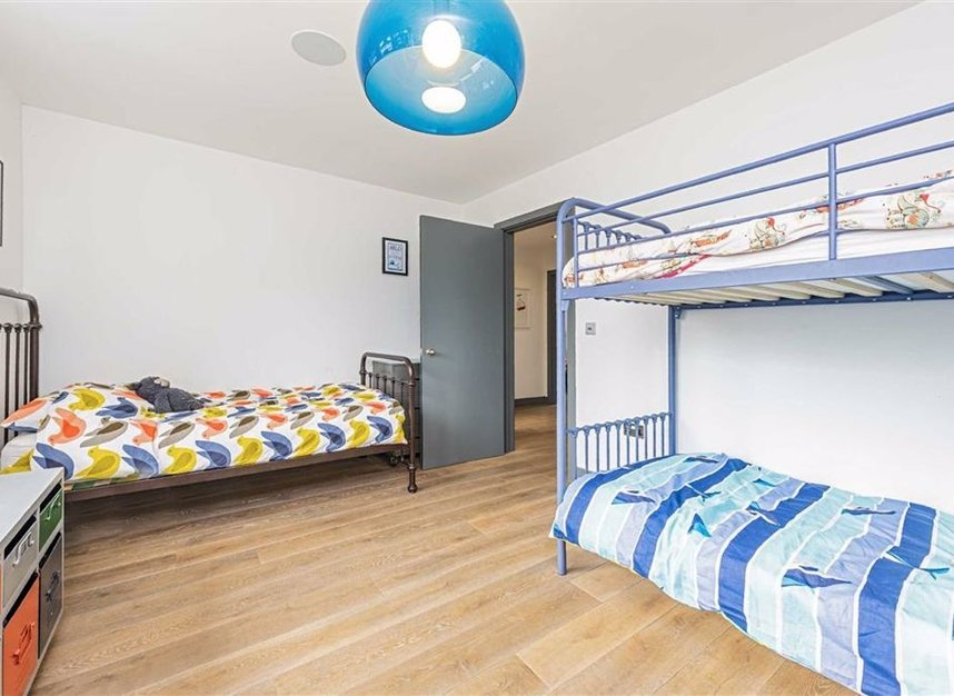 Properties for sale in Trowlock Avenue - TW11 9QT view15