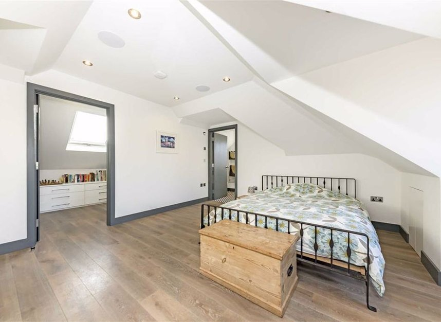 Properties for sale in Trowlock Avenue - TW11 9QT view14