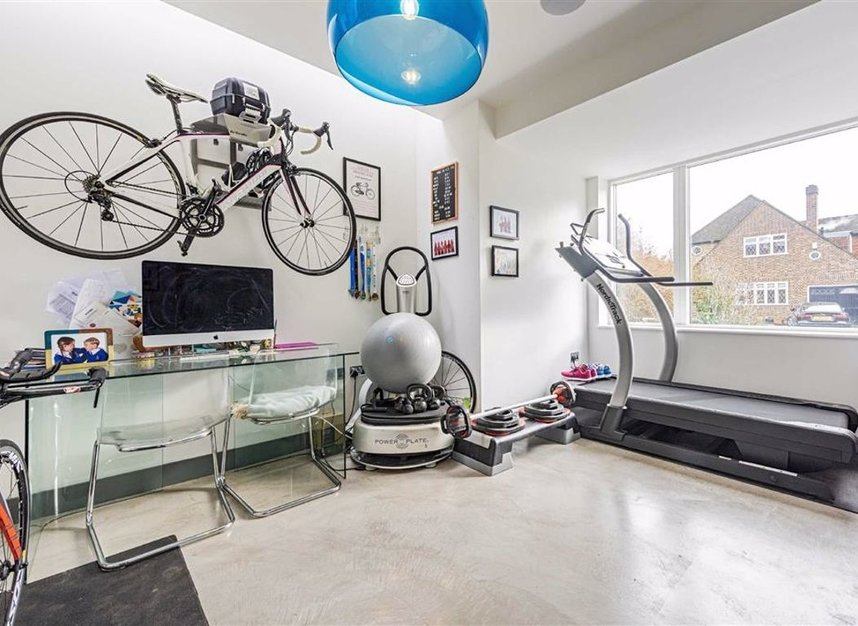 Properties for sale in Trowlock Avenue - TW11 9QT view20