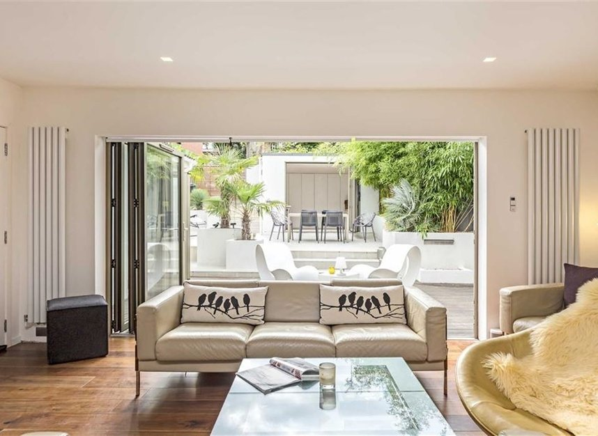 Properties for sale in Twickenham Road - TW11 8AG view4