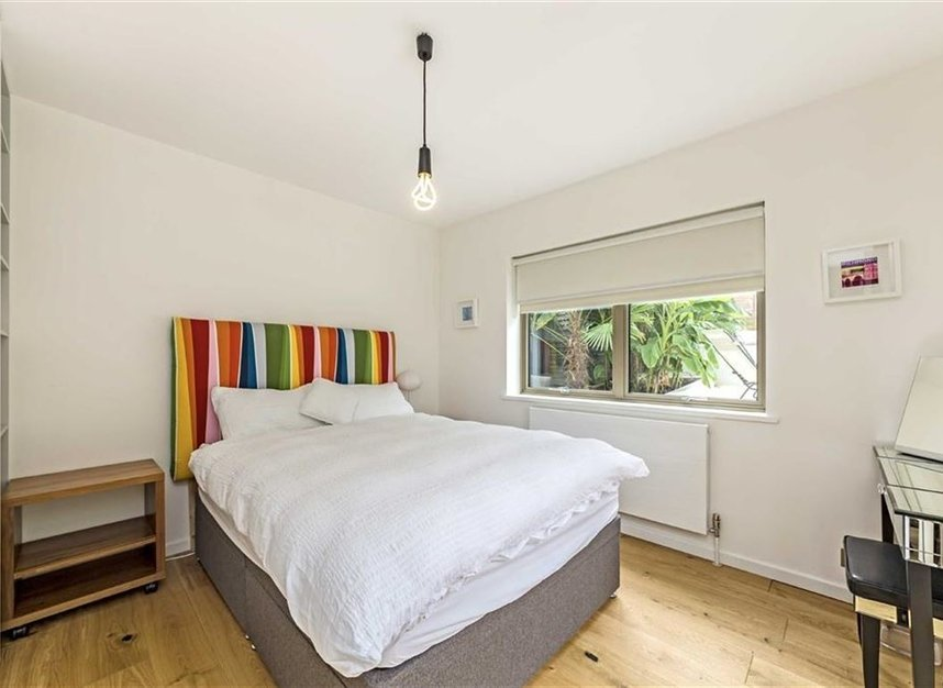 Properties for sale in Twickenham Road - TW11 8AG view8