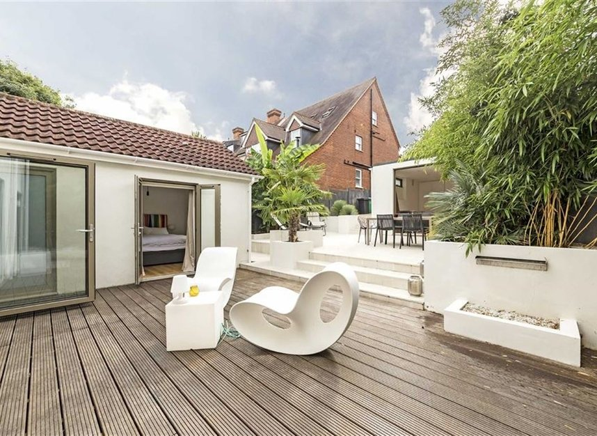 Properties for sale in Twickenham Road - TW11 8AG view9