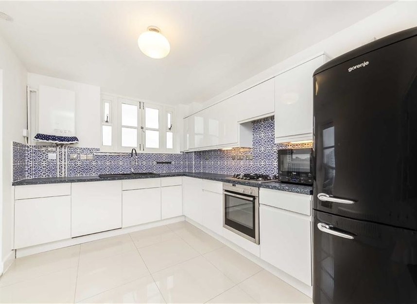 Properties for sale in Victory Place - E14 8BG view5