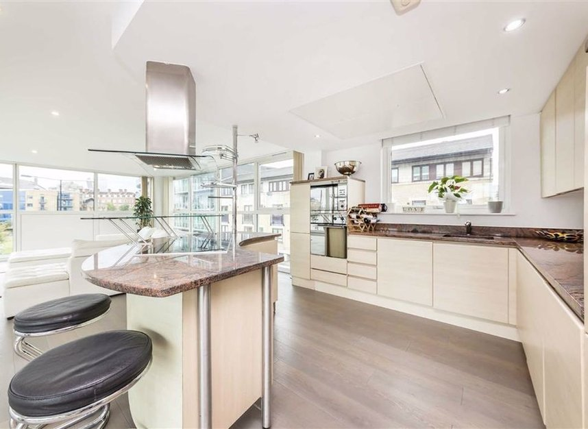 Properties for sale in Wapping High Street - E1W 1NJ view7