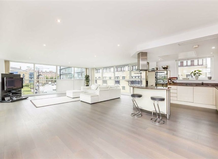Properties for sale in Wapping High Street - E1W 1NJ view6