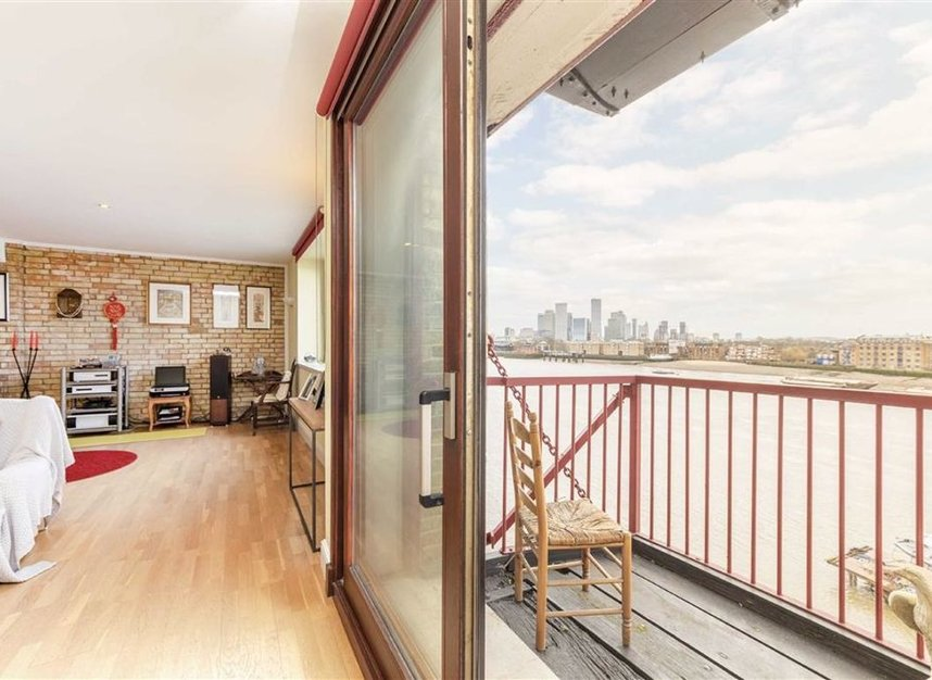 Properties for sale in Wapping High Street - E1W 2NJ view3