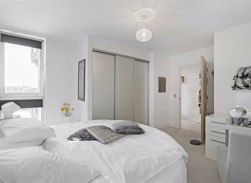 Properties for sale in Wapping High Street - E1W 1BH view4
