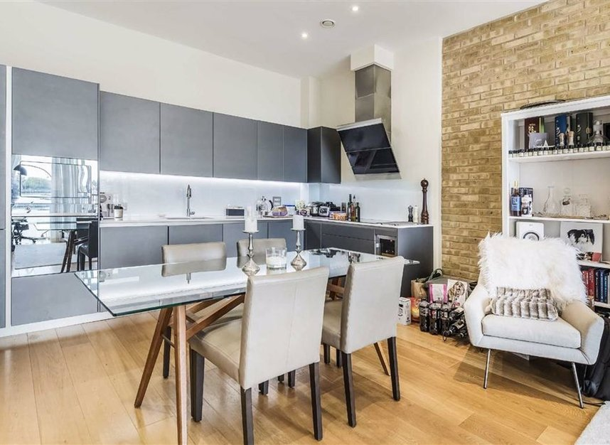 Properties for sale in Wapping High Street - E1W 3PA view6