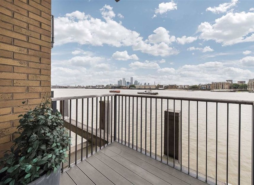 Properties for sale in Wapping High Street - E1W 3PA view1