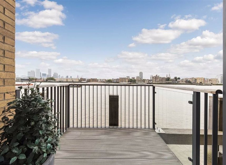 Properties for sale in Wapping High Street - E1W 3PA view3