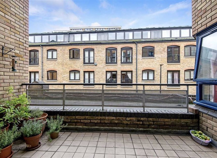 Properties for sale in Wapping High Street - E1W 3NX view6