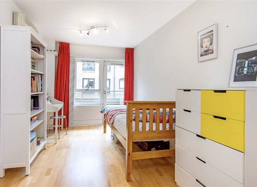 Properties for sale in Wapping High Street - E1W 3NX view4