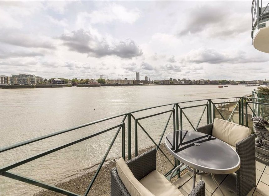 Properties for sale in Wapping Wall - E1W 3SL view1