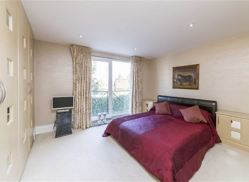 Properties for sale in Wapping Wall - E1W 3SL view6