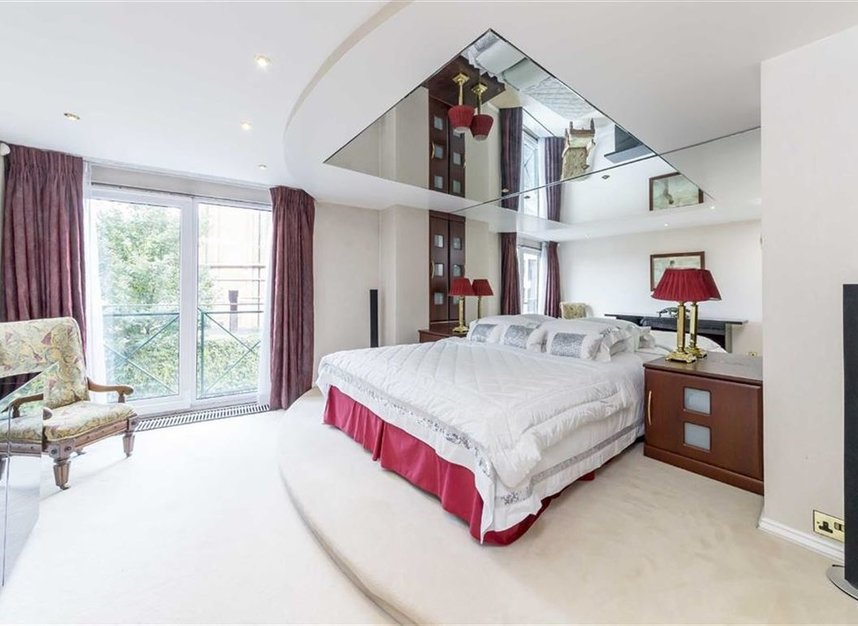 Properties for sale in Wapping Wall - E1W 3SL view5