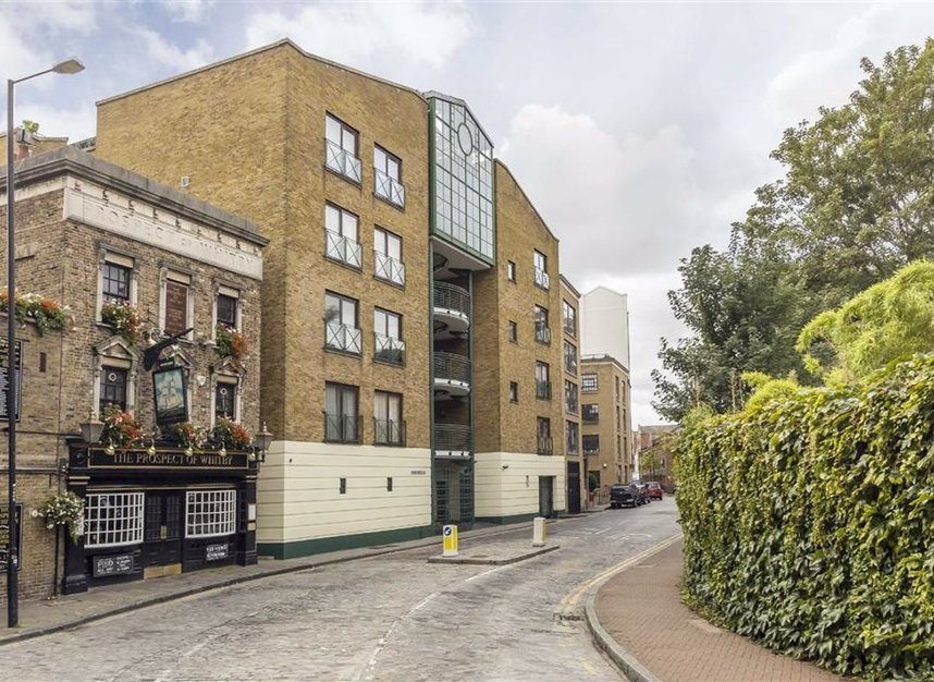Properties for sale in Wapping Wall - E1W 3SL view2