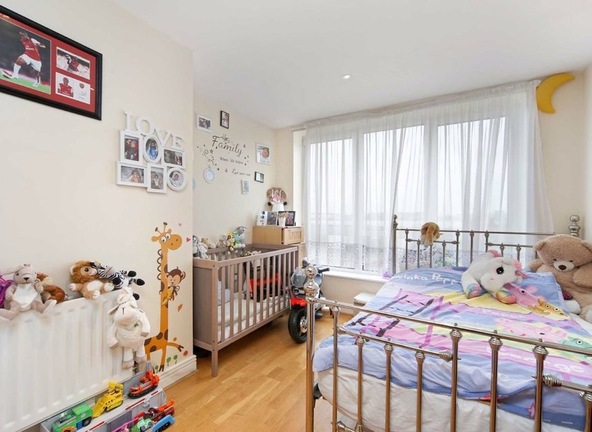 Properties for sale in Wards Wharf Approach - E16 2EQ view6