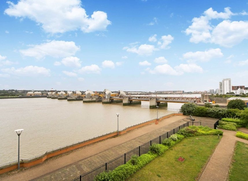 Properties for sale in Wards Wharf Approach - E16 2EQ view1