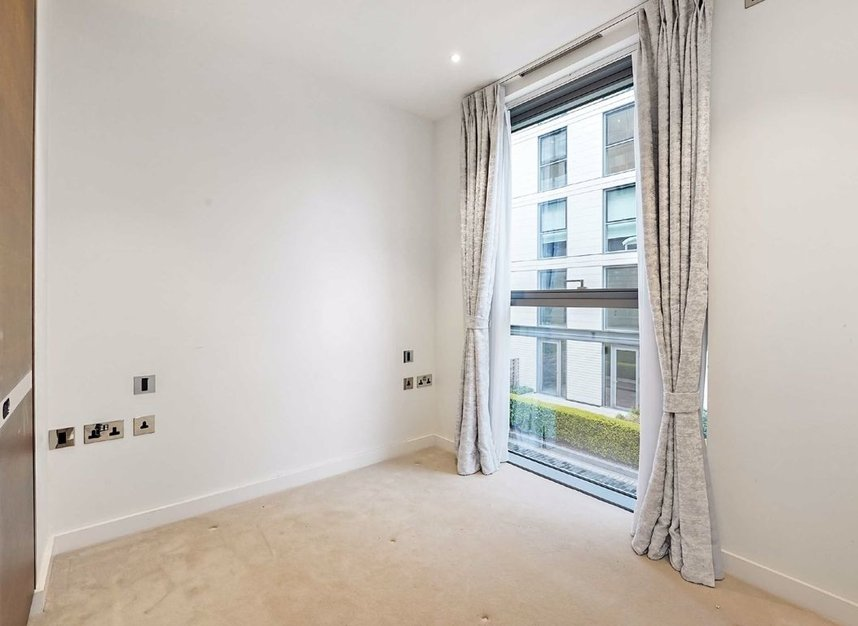 Properties for sale in Waterfront Drive - SW10 0BE view7