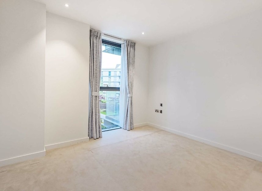 Properties for sale in Waterfront Drive - SW10 0BE view6