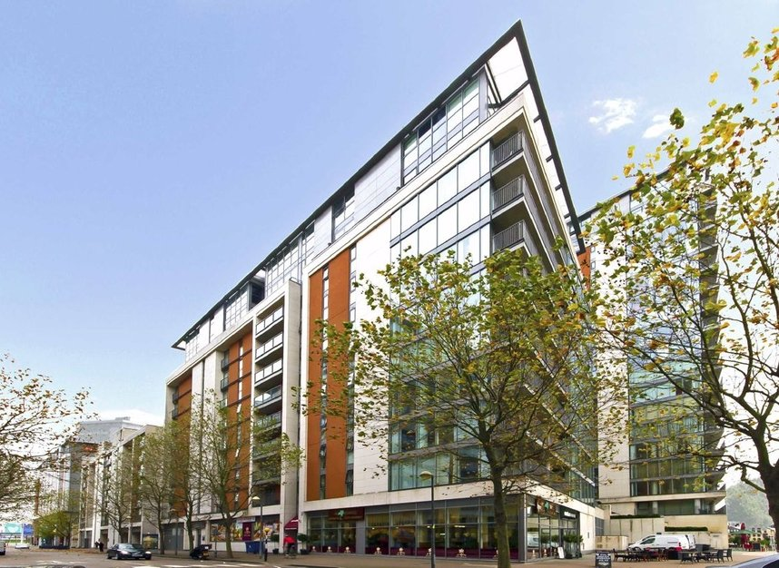 Properties for sale in Western Gateway - E16 1AP view1