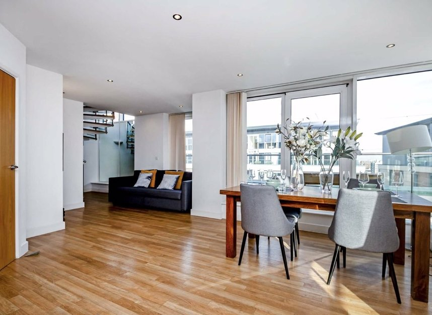 Properties for sale in Western Gateway - E16 1BS view4