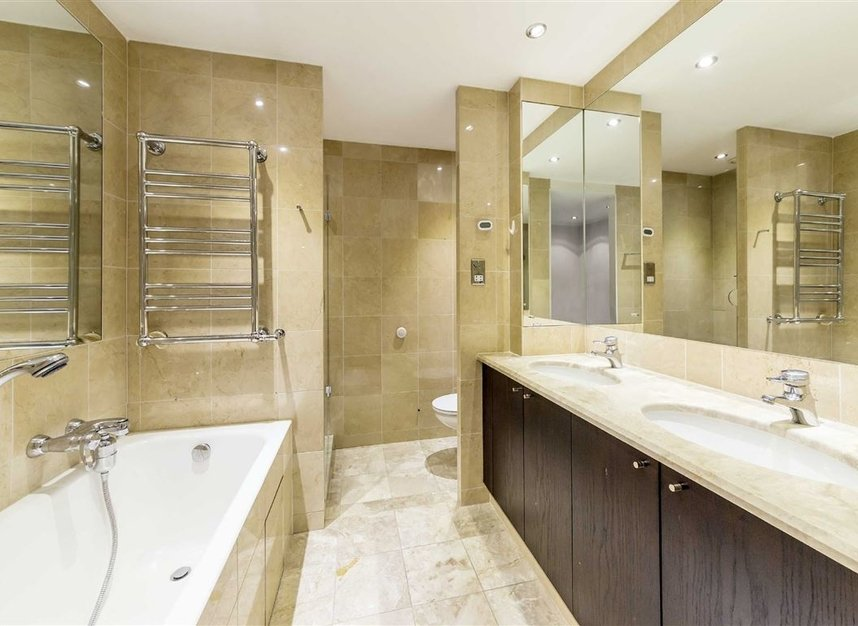 Properties for sale in Westferry Circus - E14 8RJ view7