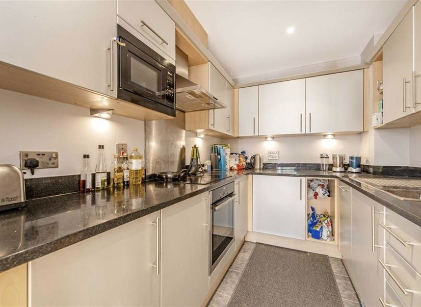 Properties for sale in Wharf Lane - E14 7HW view2
