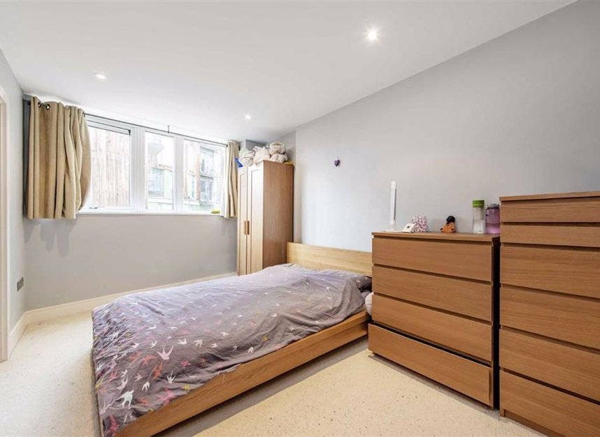 Properties for sale in Wharf Lane - E14 7HW view4