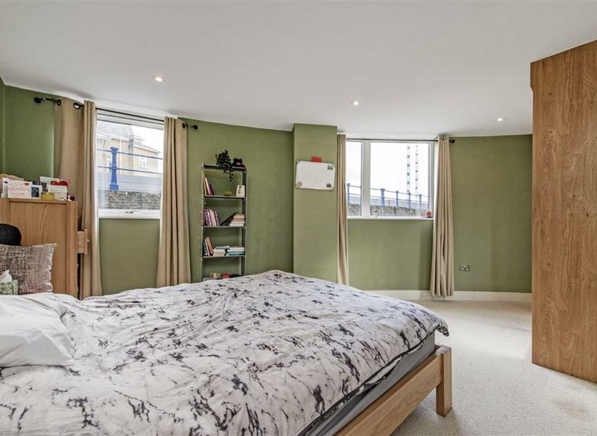 Properties for sale in Wharf Lane - E14 7HW view5