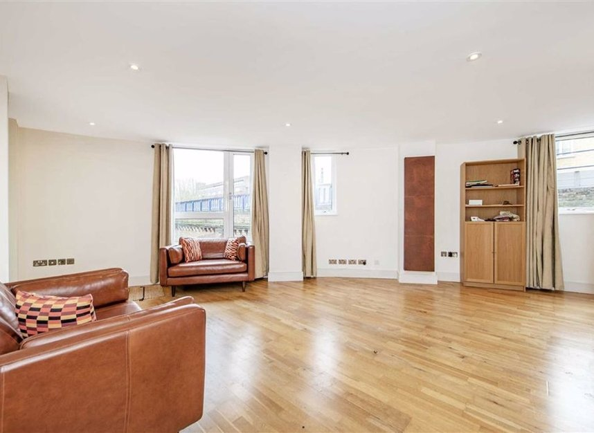 Properties for sale in Wharf Lane - E14 7HW view3