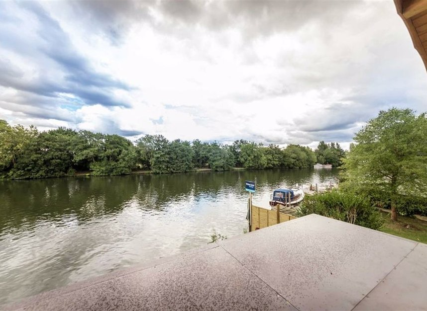 Properties for sale in Wheatleys Eyot - TW16 6BU view8