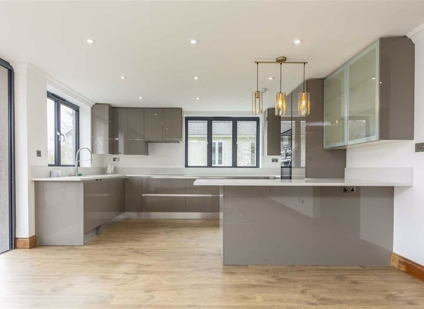 Properties for sale in Wheatleys Eyot - TW16 6BU view4