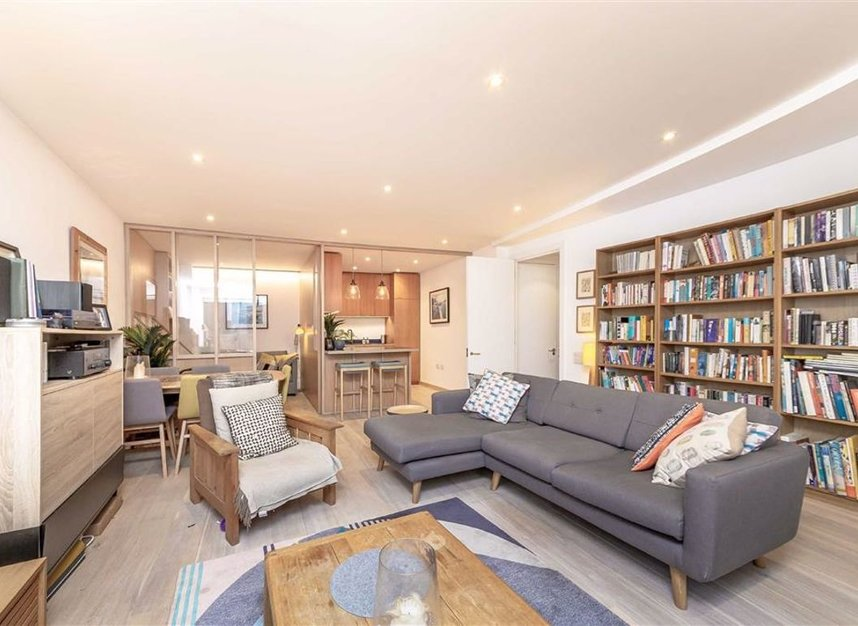 Properties for sale in Winchester Square - SE1 9BN view2