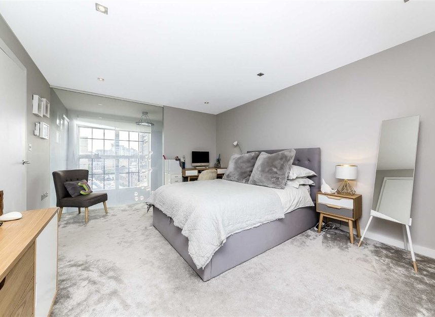 Properties for sale in York Road - SW11 3RS view15